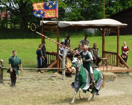 The green page tossed a hoop and his knight was able to lance it mid-air.  Yay!