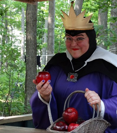 I wouldn't buy any apples from this woman no matter how enticing they looked!